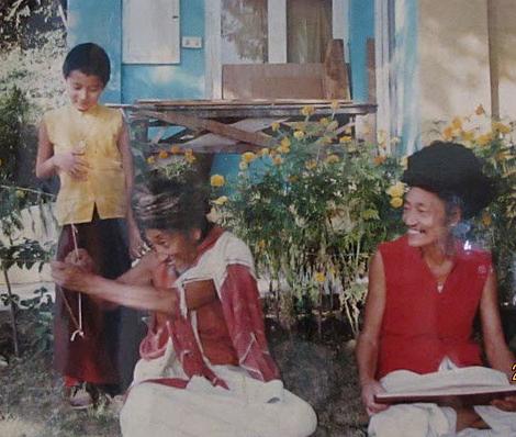 Khamtrul Rinpoche & Togdens Ajam & Achos, tokden, tashi Jong, Khampagra, India